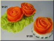 Tomatenrose  (2) mit Salat