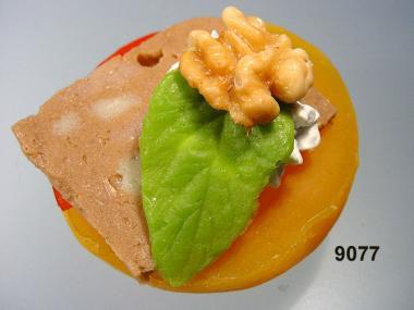 garnierter Pfirsich