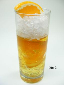 Orangen-Cocktail (echtes Glas)