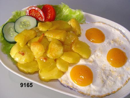 Bratkartoffeln m. Spiegelei o.T.
